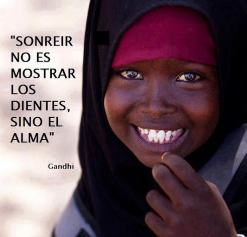 Imagenes Con Frases Cortas De Sonreir